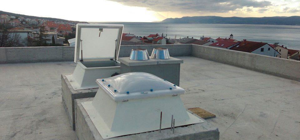Kupole za ručno otvaranje i izlaz na krov
